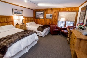 Kandahar Lodge | early December just $129/night :: Slopeside luxury rooms & suites (some w/kitchens) and well-priced lodging/dining packages available. Excellent bar, dining room & hot tub. Ski & Lodging packages.