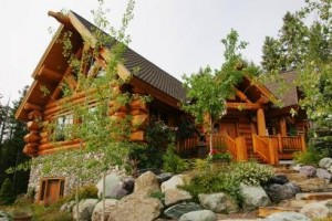 Five Star Vacation Home Rentals of Montana :: Select from 30+ high-quality properties. We can match you to your ideal location, lifestyle activity, season & group size. From budget to luxury, Whitefish to Glacier Park.