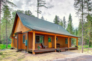 North Forty Resort - Family & Group Cabins